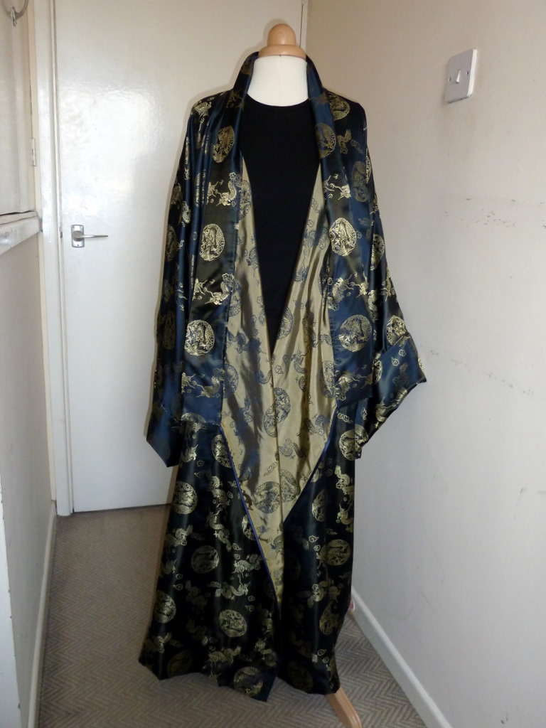 Dragon kimono showing inside