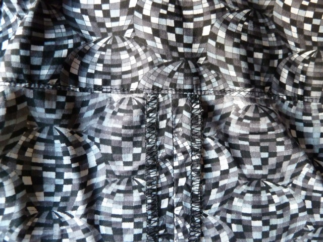 Shirtdress inside cenre back seam and yoke