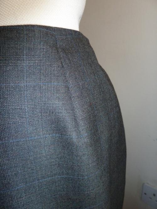 Skirt darts