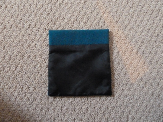 Turned and pressed pocket (lining side)