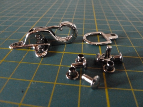 Macculloch and Wallis small trigger lock fasteners