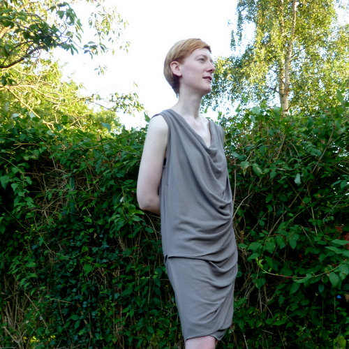 Drape Drape No 17 side view brown dk