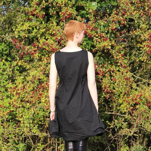 Vogue 1410 back view