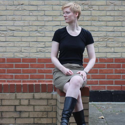 Vogue 1247 sitting