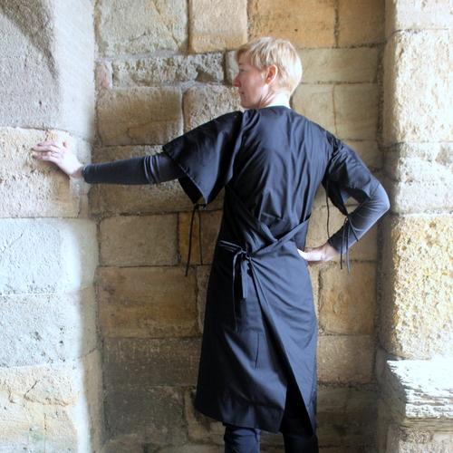 Arab-islamic work dress back