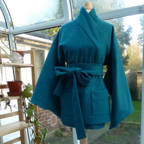 Blue kimono front view