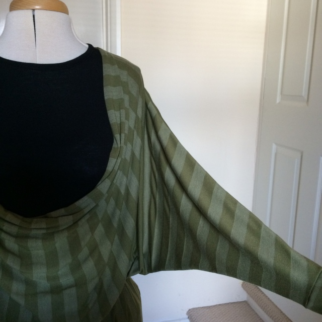 Drape Drape 2 no 11 left sleeve