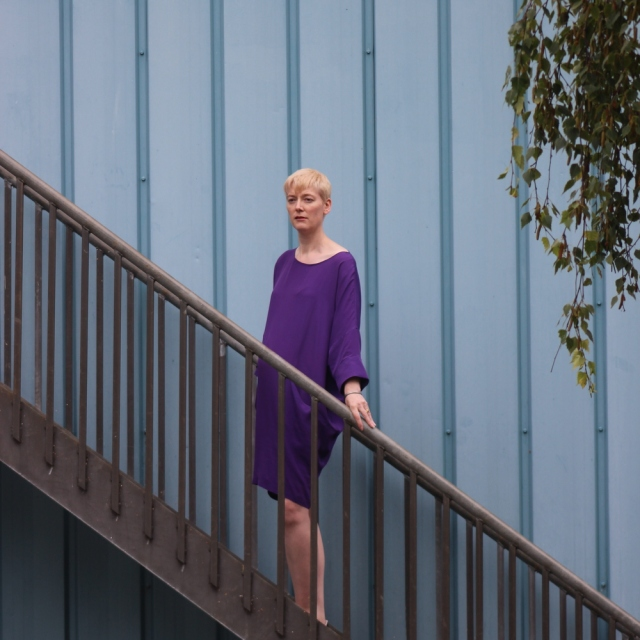 Vogue 1482 purple 3/4 view
