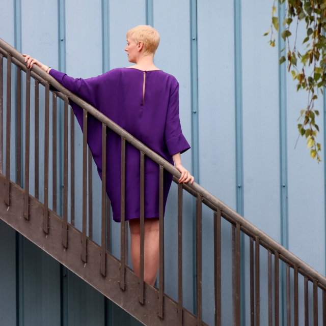 Vogue 1482 purple back view