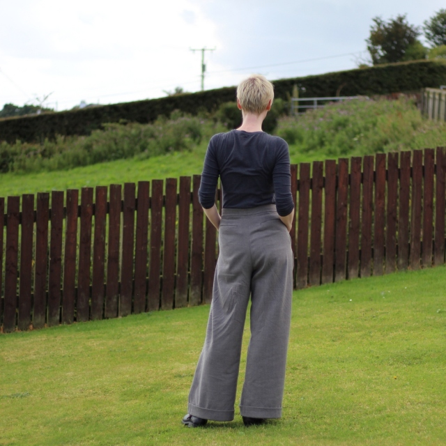 Burda 118-09-2015 grey wide legged trousers
