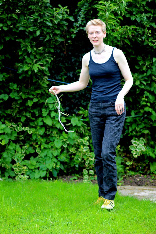 Vogue 1573 action shot